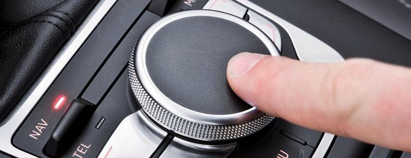 control interfata prin joystick